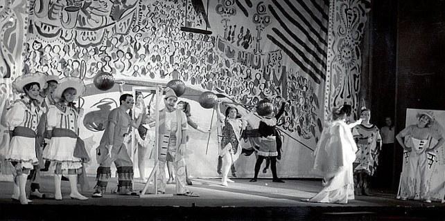 'Los Títeres' estrenó 'La feria del come y calla' con textos de Alfredo Mañas, en el Teatro María Guerrero
