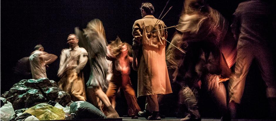 El rechazo a la diversidad sexual salta al escenario con una obra de teatro y danza