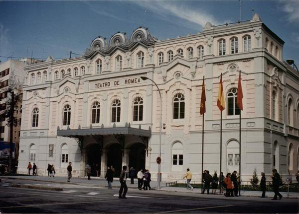 El Romea cumple 149 años sin fecha oficial de reapertura