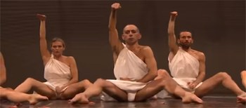 "'Monte Olimpo'. Monumental ""performance"" teatral"