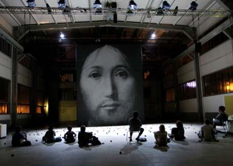 Romeo Castellucci arrancó los mayores aplausos de la Bienal de teatro de Venecia.