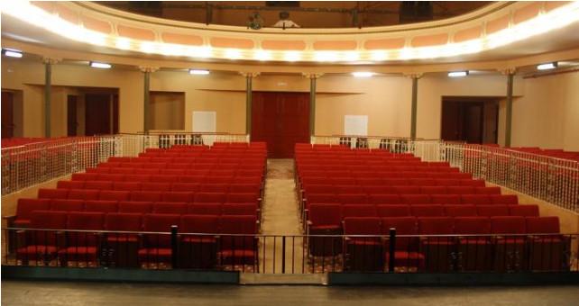 El Teatre de Sarrià busca mecenas para la platea